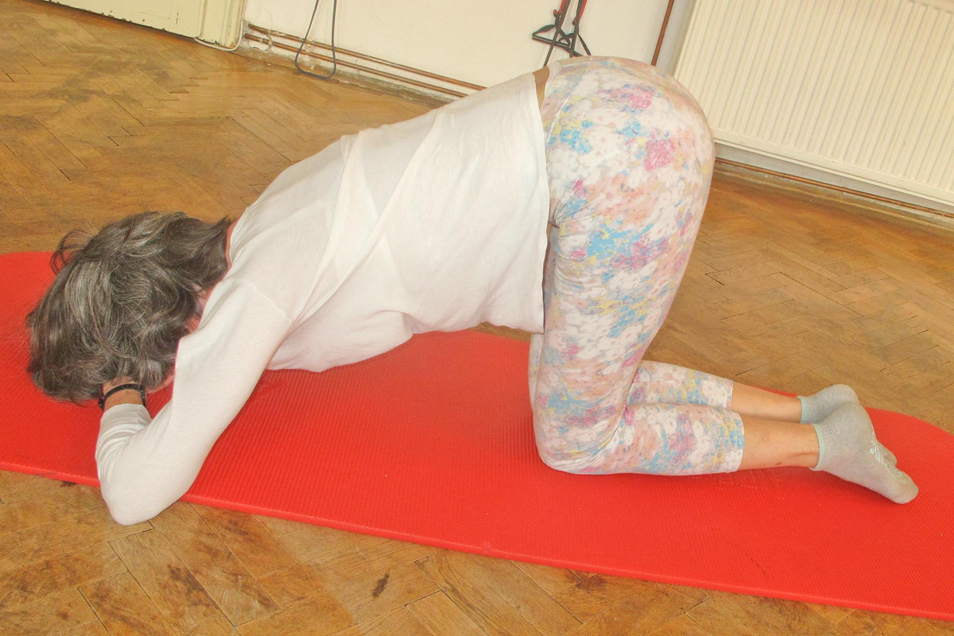 pilates eselkick therapeutische übungsanleitung