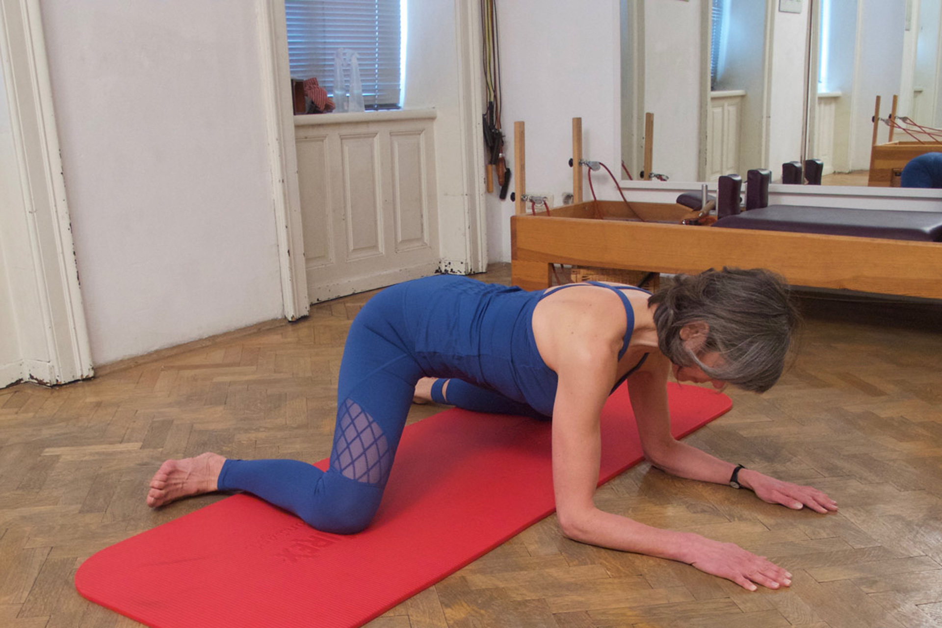 pilates therapeutic exercise pelvis- and back relaxation release body awareness