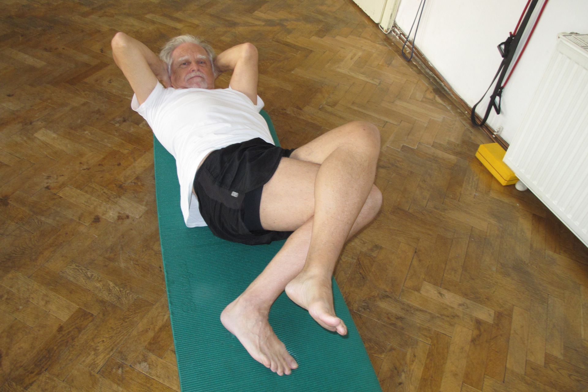 Pilates differentiated movement exercise knee side roll awareness training therapeutic