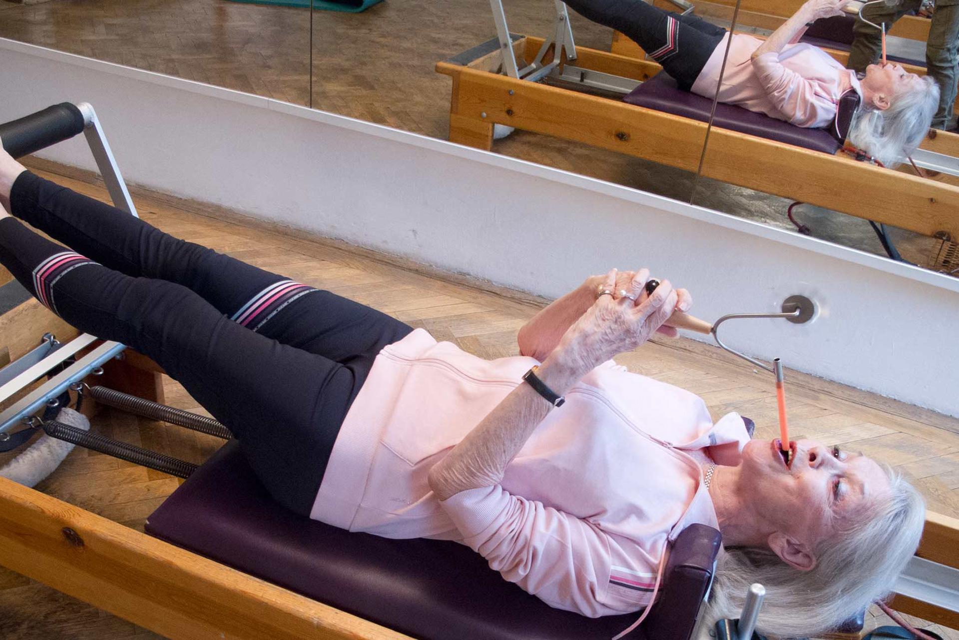 Atmungsintegration Pilatestraining bewusste reflexive Atmung Körperachtsamkeit Atemdynamik Biofeedback